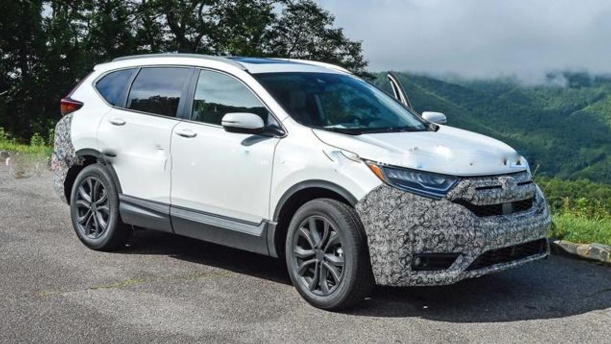 Honda CR-V 最新測試車首度曝光,準備推出小改款新車活絡戰力。