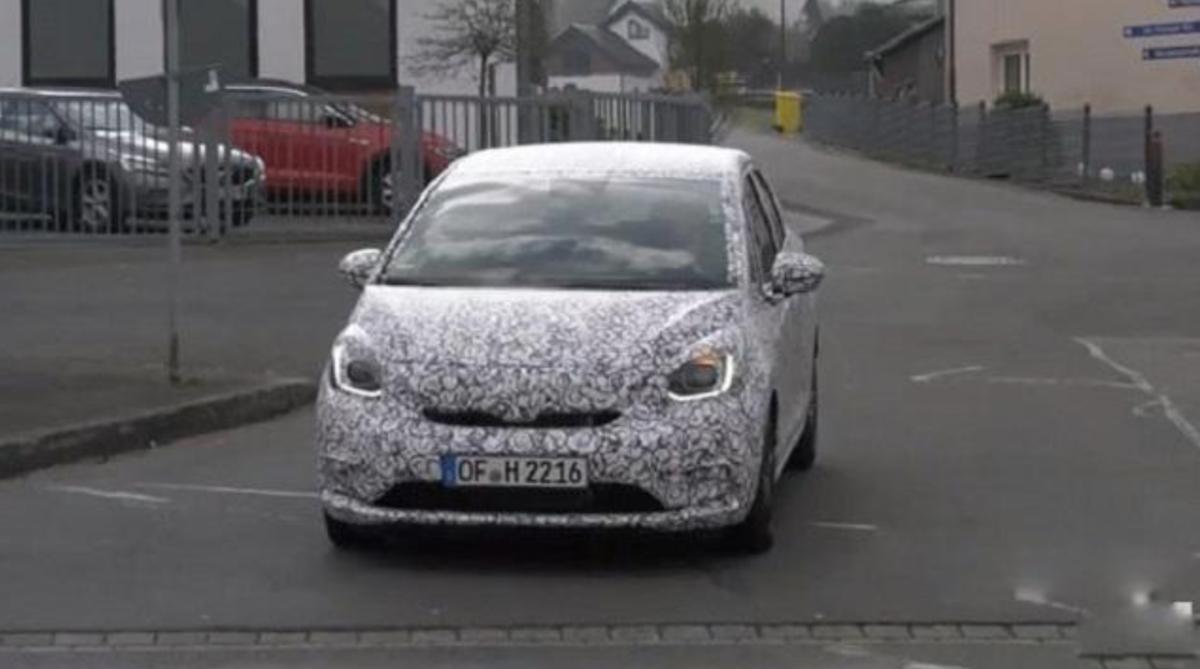 新一代 Honda Fit 測試車已在最終測試階段,多家外媒已陸續捕獲不少身影。
