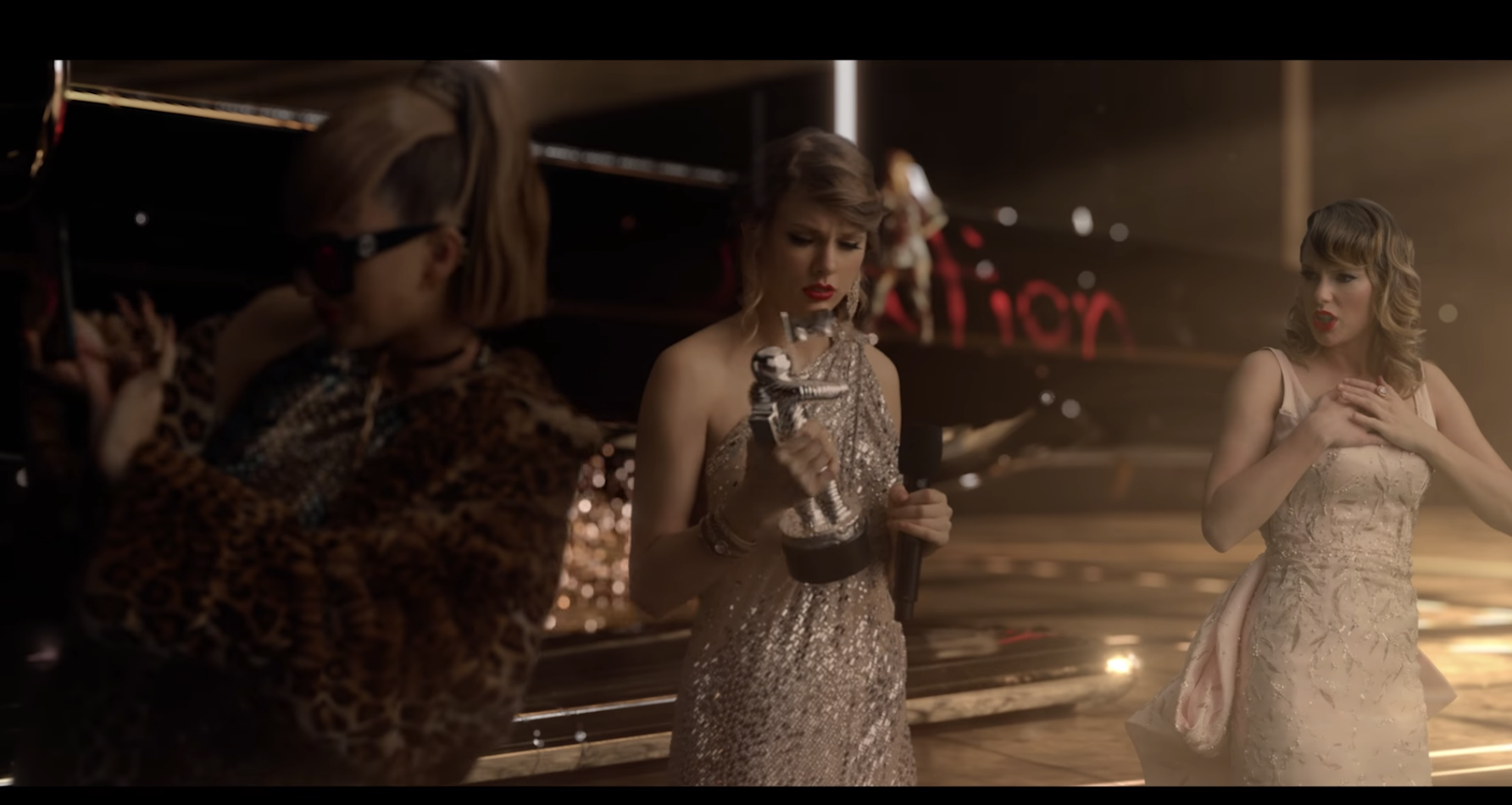 """VMAs 2009 Taylor Swift appears in the """"Look What You Made Me Do"""" video. (Photo: YouTube)"""