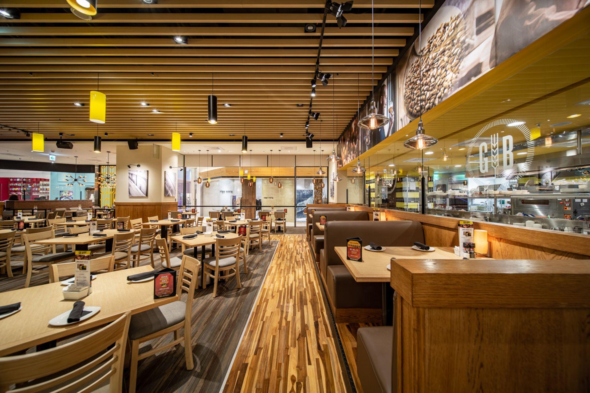 大直分店使用大量木質元素,舒適明亮,特別適合聚餐同樂。