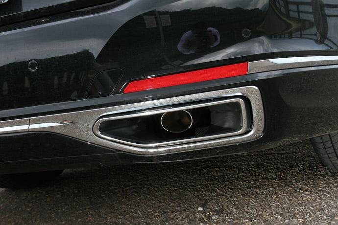 鍍鉻尾飾管改為較大管徑,並採更為方正的設計。 版權所有/汽車視界