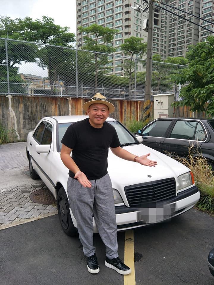 【明星聊愛車】大愷獨鍾老車入手賓士W202 修車竟被燒掉引擎蓋安全鎖扣超危險!