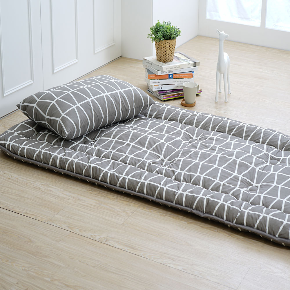 ▲軟式床墊只要捲鋪蓋即可攜帶,日後搬家也不用煩惱。(圖片來源:3D超柔日式床墊)