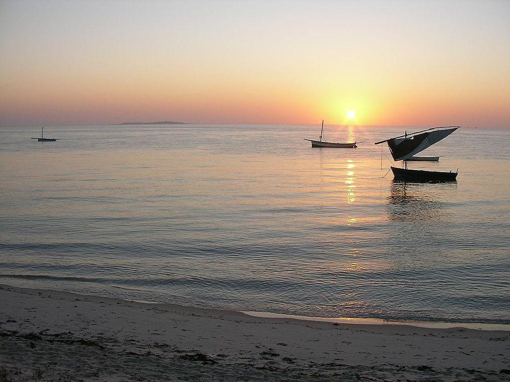 巴扎魯托群島 (Photo by Brian Dell, https://en.wikipedia.org/wiki/User:Bdell555, Wikimedia Commons提供)