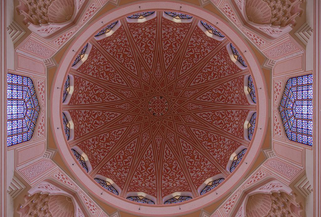 布特拉清真寺 (Photo by CEphoto, Uwe Aranas, License: CC BY-SA 3.0, Wikimedia Commons提供)