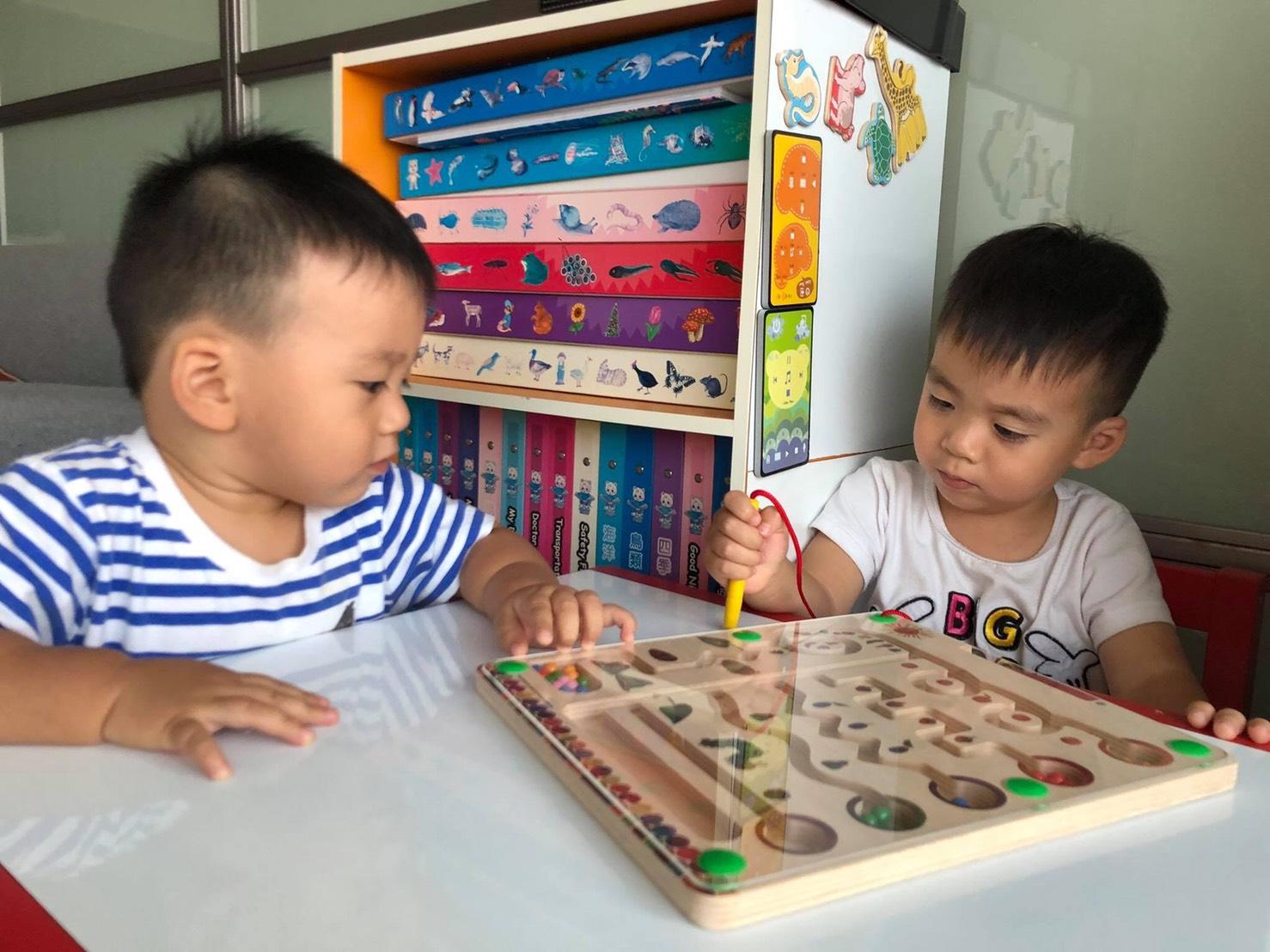 【亲子时尚】李培祯陪孩子「玩」课程 时常与孩子聊上学!