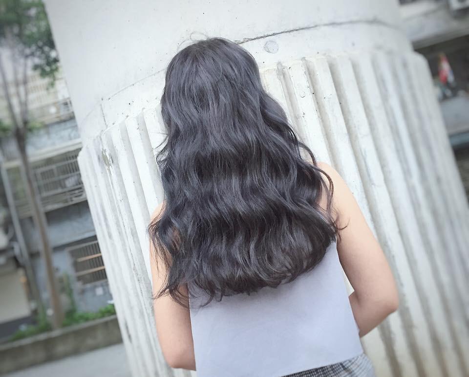 打造夏日水感女孩!染「透明系髮色」準沒錯~