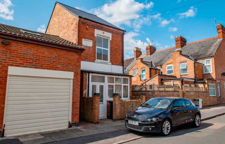 The stand alone house in Leicester is up for auction. (SWNS)