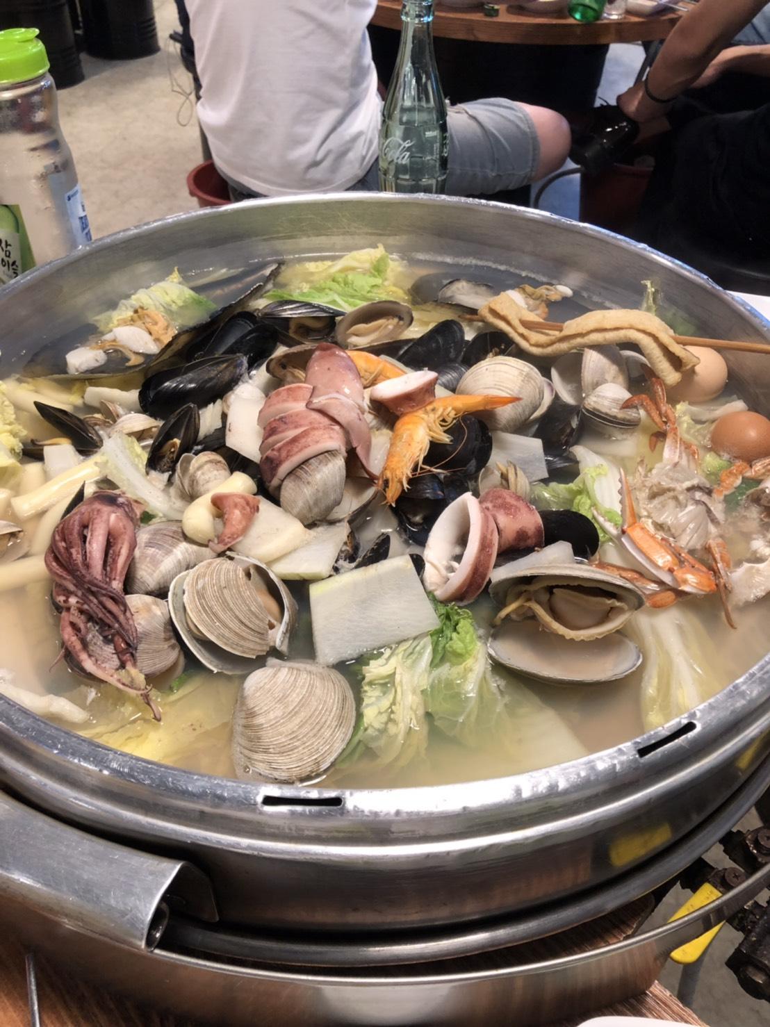▲海鮮鍋雖然不是韓國必吃美食,但仍讓Kim感到意外的好吃。