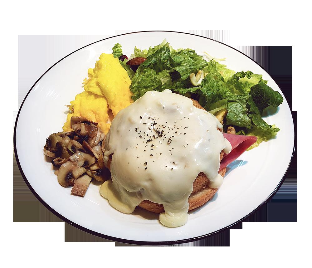 「怪盜基德 滿月的挑戰」感覺是酥皮類的麵包包著火腿、起司,搭配上炒蛋跟生菜沙拉、炒蘑菇等的輕食。