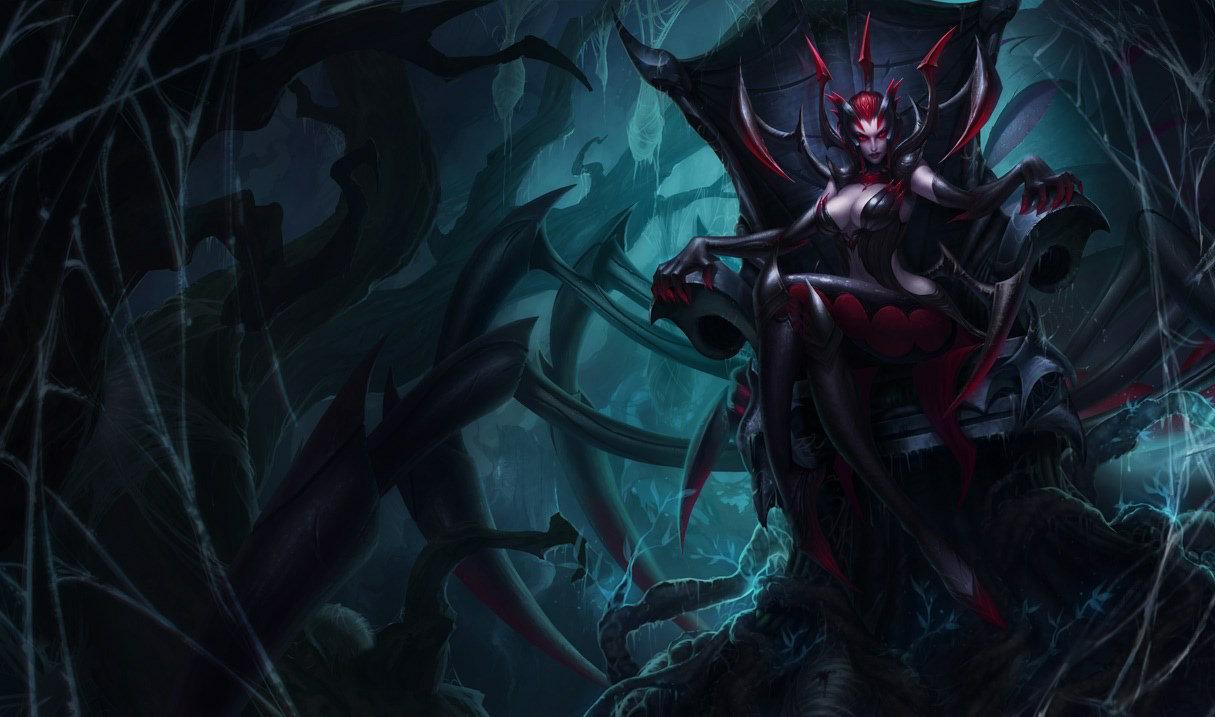 「伊莉絲」召喚1/2/4隻具有500生命的小蜘蛛並轉變為蜘蛛型態(攻擊距離1),獲得60 / 90 / 120%普攻吸血效果