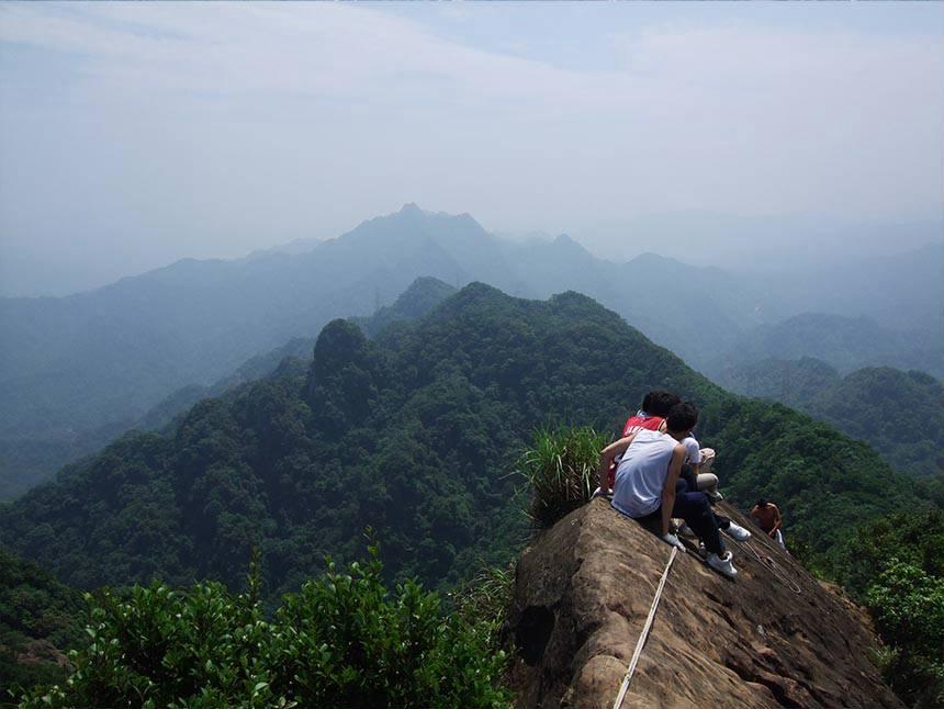 皇帝殿由於占地廣闊,擁有許多登山口。圖/新北市觀光旅遊網