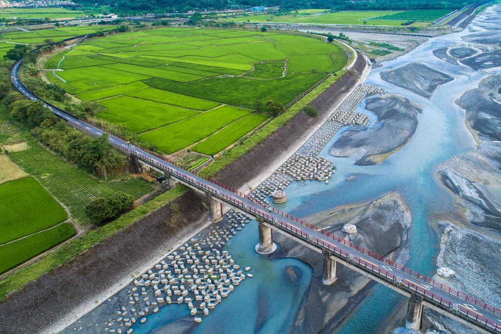 玉富自行車道橫跨歐亞大陸板塊與菲律賓海板塊。圖/花東縱谷風景區