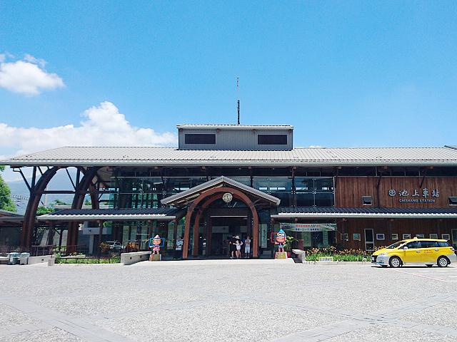 池上車站以日式木造米倉為主體,呼應稻米之鄉的特色。圖/交通部鐵道局
