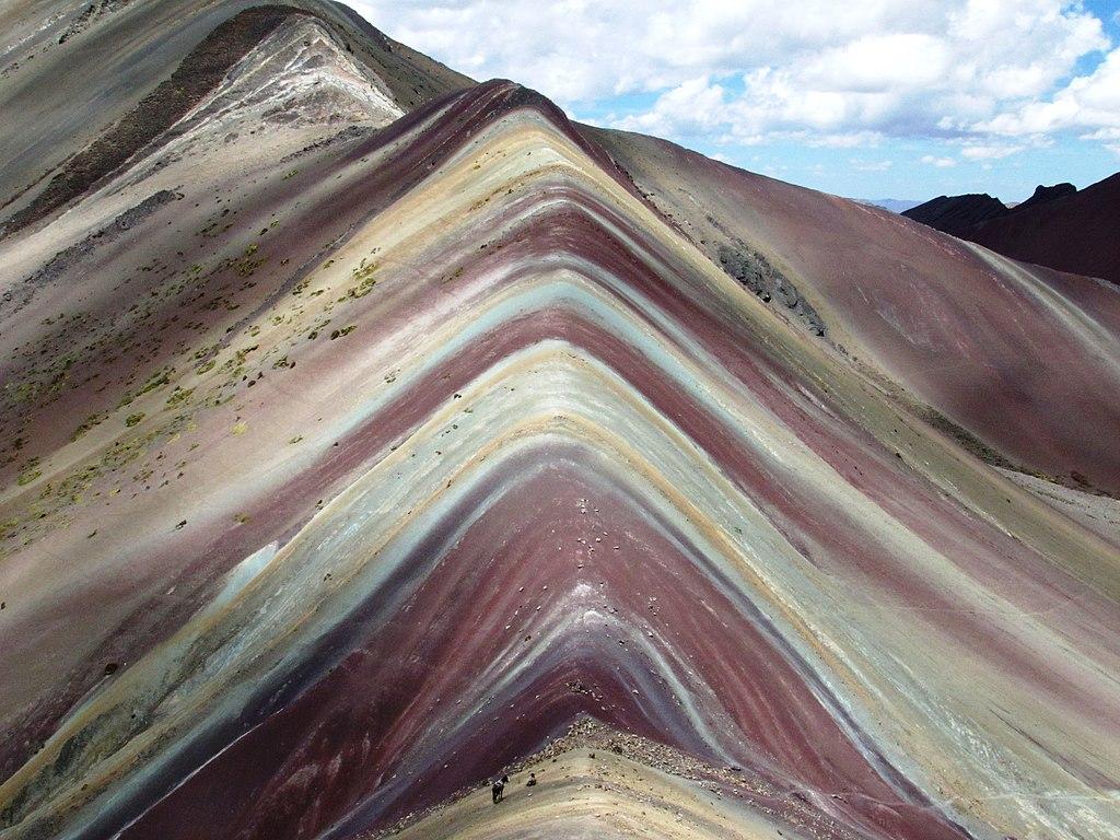 彩虹山 (Photo by José Carlos Rozas Carazas, License: CC BY-SA 4.0, Wikimedia Commons提供)