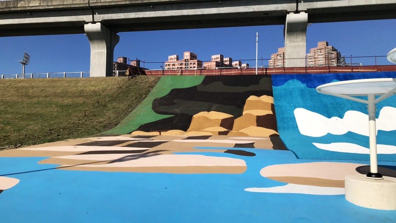 瀑布滑草場 (圖片來源:新北市政府水利局)