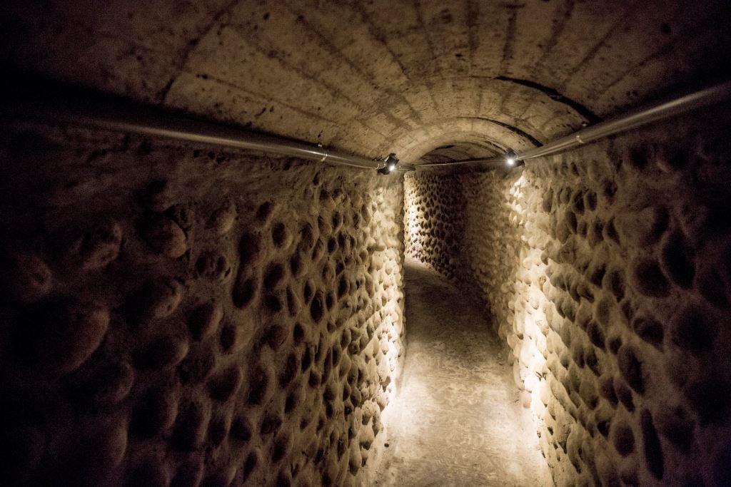 清水鬼洞原名為橫山戰備坑道,興建於1943年,全長約400多公尺。圖/台中觀光旅遊網