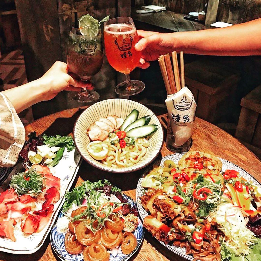 滷味拼盤、台式小吃叫滿一桌,配一杯時髦調酒,最「渣男」的組合!