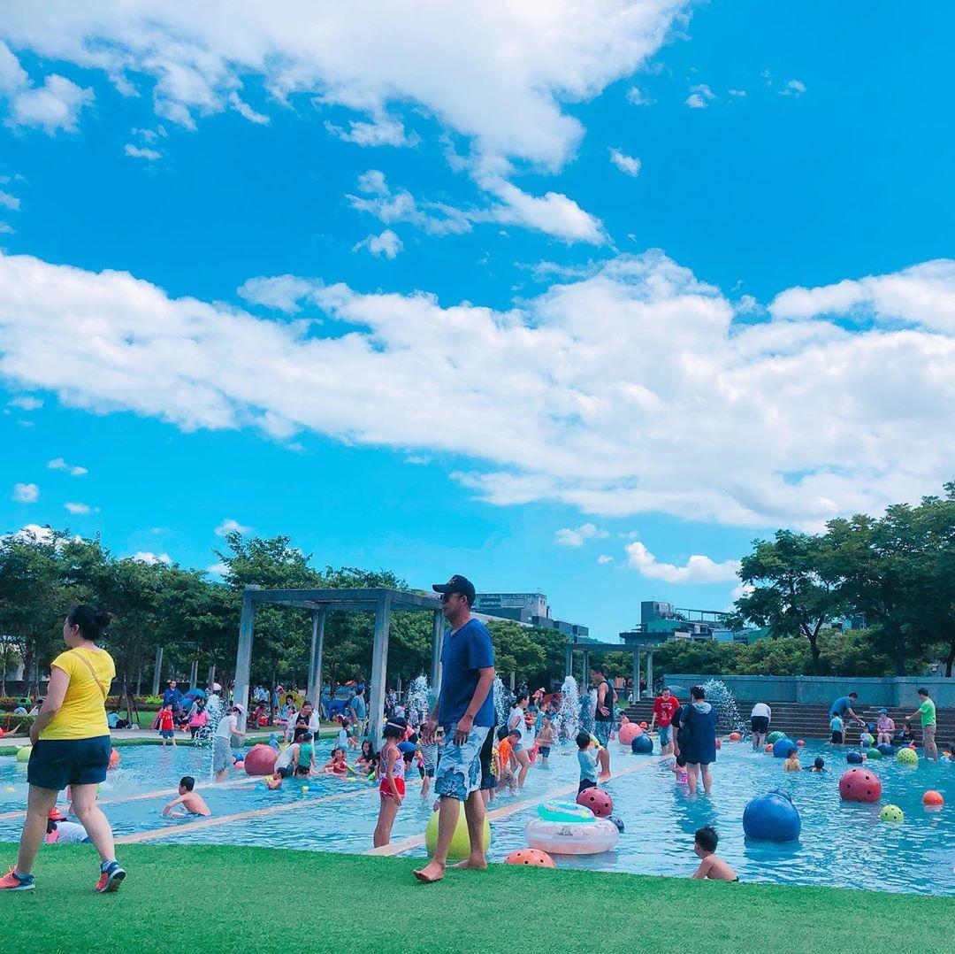 鶯歌陶瓷博物館的戲水區,為相當受歡迎的免費戲水景點。