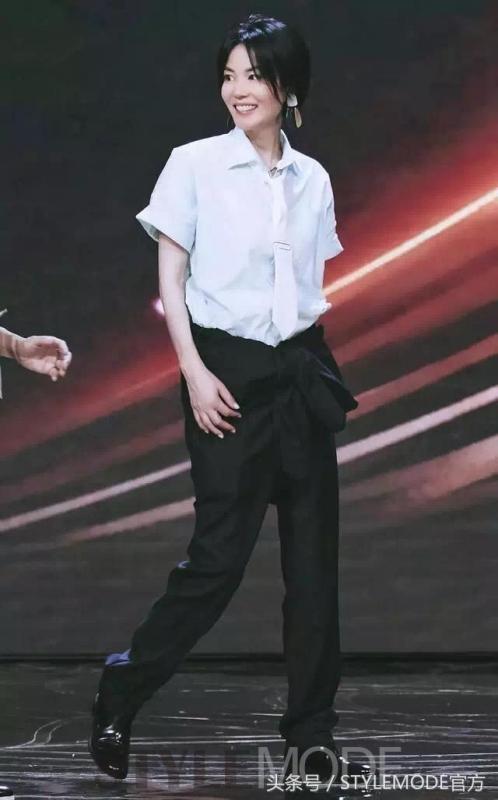 王菲個性十足的率性穿著風格,是許多人心中的時尚指標。(截自微博)