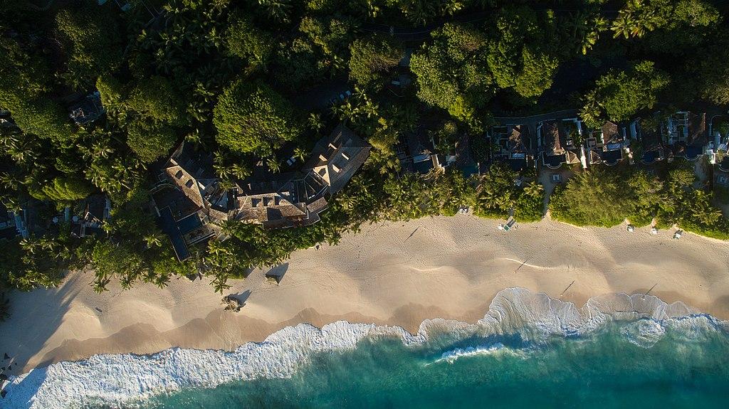花崗岩塞席爾群島 (Photo by dronepicr, License: CC BY 2.0, 圖片來源www.flickr.com/photos/132646954@N02/25748193448)