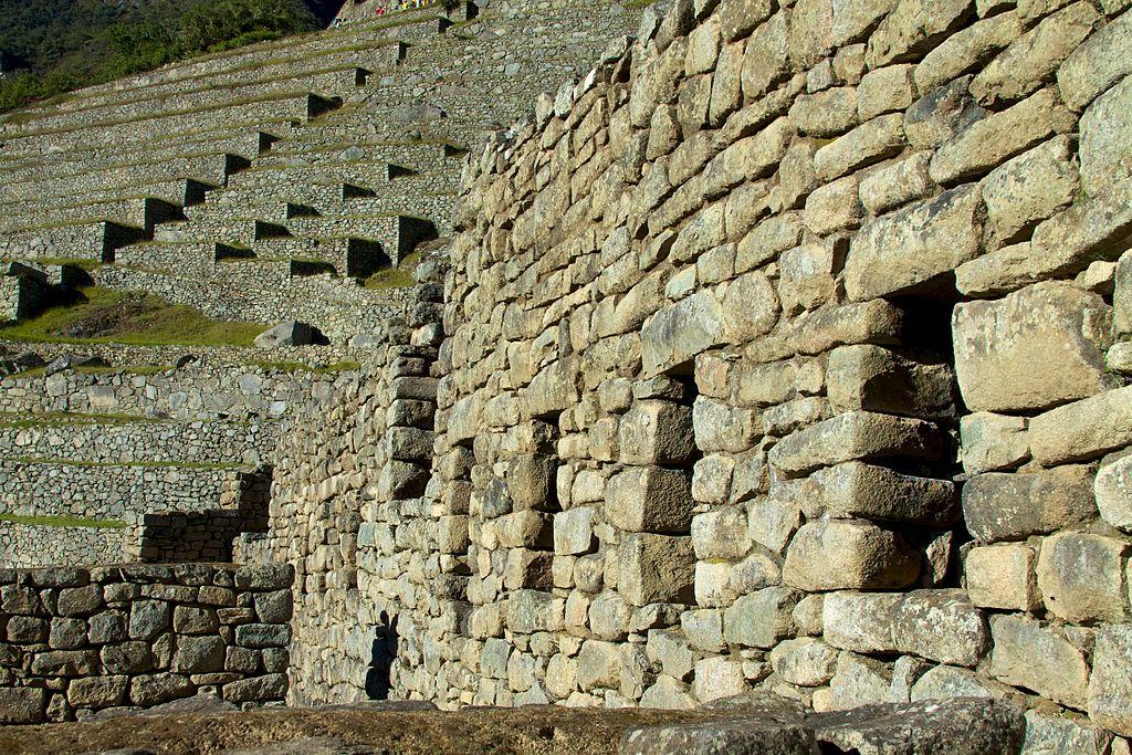 馬丘比丘 (Photo by McKay Savage from London, UK, License: CC BY 2.0, 圖片來源commons.wikimedia.org/wiki/File:Peru_-_Machu_Picchu_018_-_city_of_stone_(7183490153).jpg)