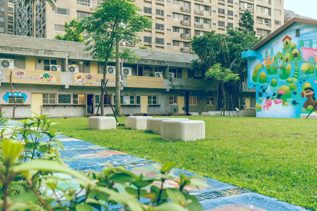 南崁兒童藝術村由北區兒童之家宿舍群活化再利用,占地約1150坪。圖/南崁兒童藝術村官網