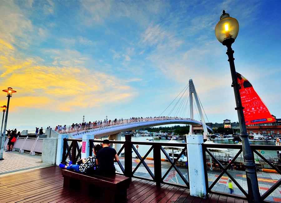 漁人碼頭是著名的約會景點 (圖片來源:新北市觀光旅遊網)