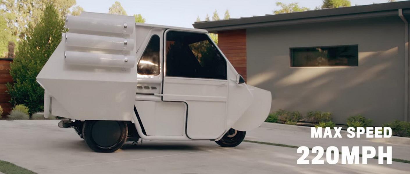 圖/雖然是整人影片,但Stephen Curry還是很認真介紹QXzero CONCEPT三輪車各種功能。