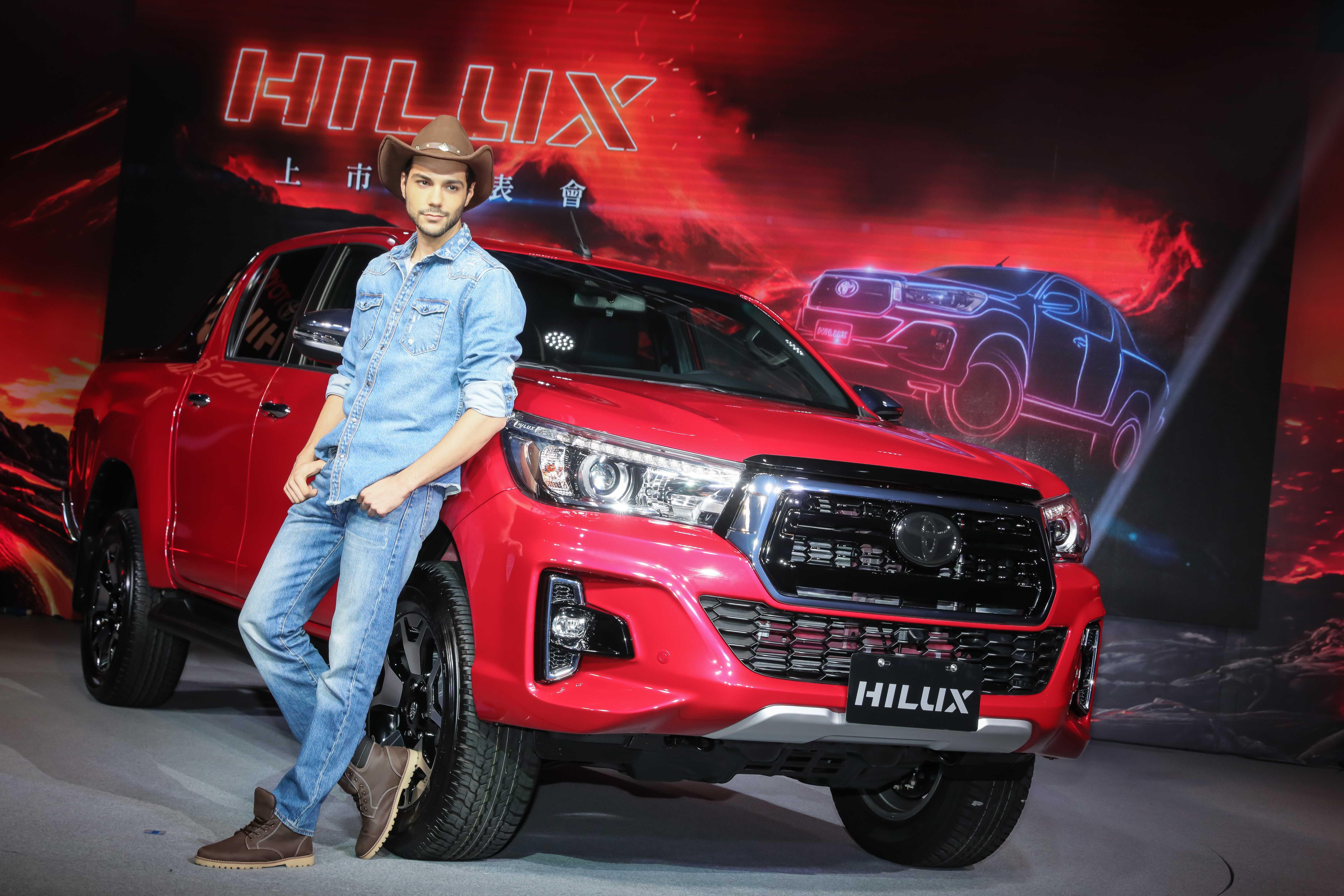 全新HILUX不僅有絕佳越野能力更搭載TSC拖曳穩定輔助系統、7 SRS氣囊及GOA高剛性車體等高達28項主被動安全系統,讓HILUX車主在盡情越野的同時也能感到無比安心
