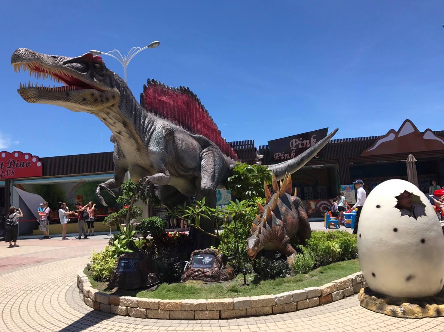 高雄夢時代頂樓變身恐龍探索樂園,占地約2000坪。圖/恐龍探索樂園臉書粉絲專頁
