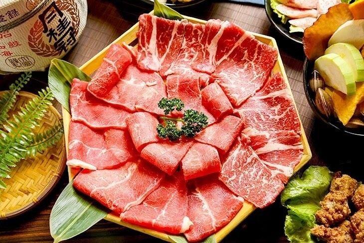 饗鮮肉提供「燒烤鍋物兩吃」吃到飽,兩種享受一間完成。