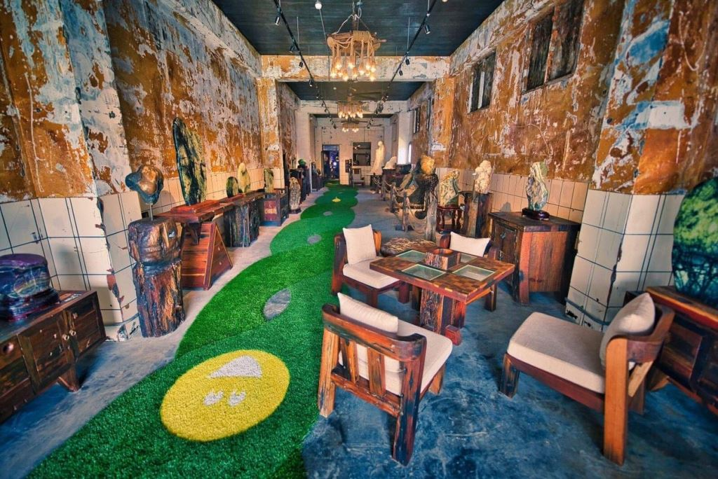Robert-Y瘋狂夢想博物館透過綠色草皮形成的DNA步道,引導遊客一一揭開不同場域的神秘面紗。圖/蘇澳觀光旅遊網