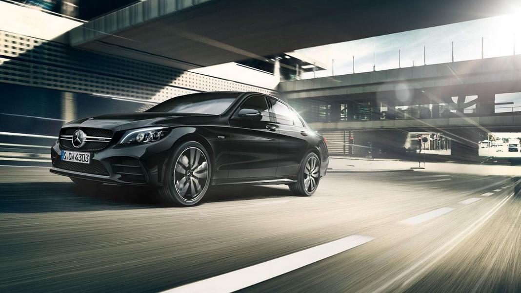 圖/Mercedes-Benz C-Class在本月端出促銷方案帶動下,賣出717輛穩坐冠軍。