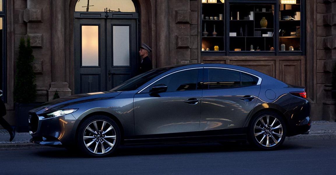 圖/睽違好幾個月,Mazda Mazda3再度回到進口轎車榜單冠軍,自從上月推出大改款後,本月隨即賣出957輛。