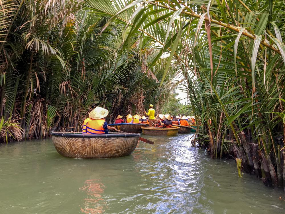 圖/圓形的竹籃船是越南傳統捕魚的代步工具,是目前熱門的地道體驗之一!