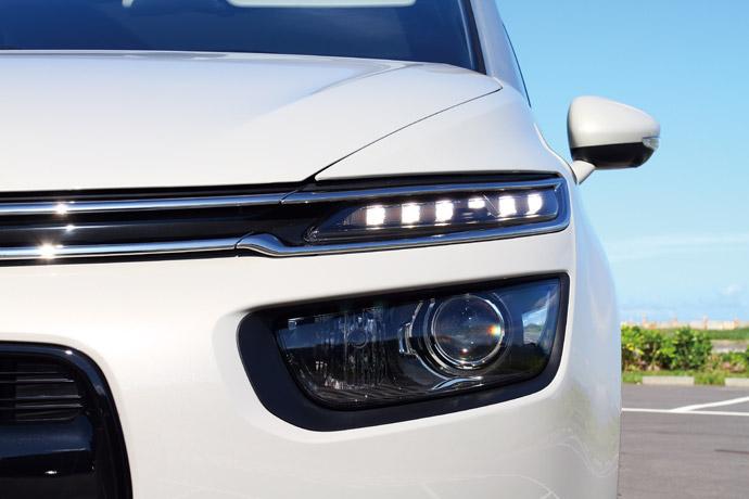 車頭分離式Xenon大燈整合AFS主動轉向功能。 版權所有/汽車視界