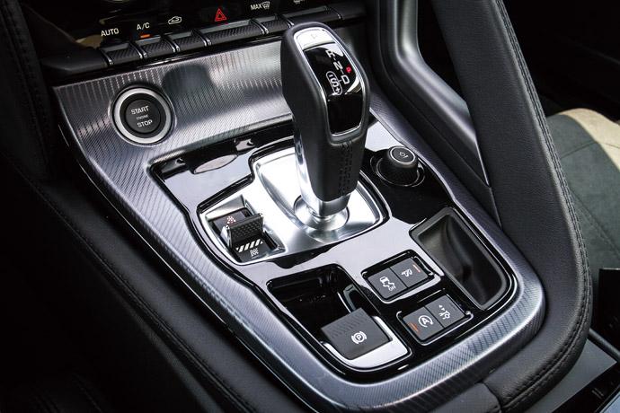 排氣尾管及尾翼都可以作獨立開關。 版權所有/汽車視界