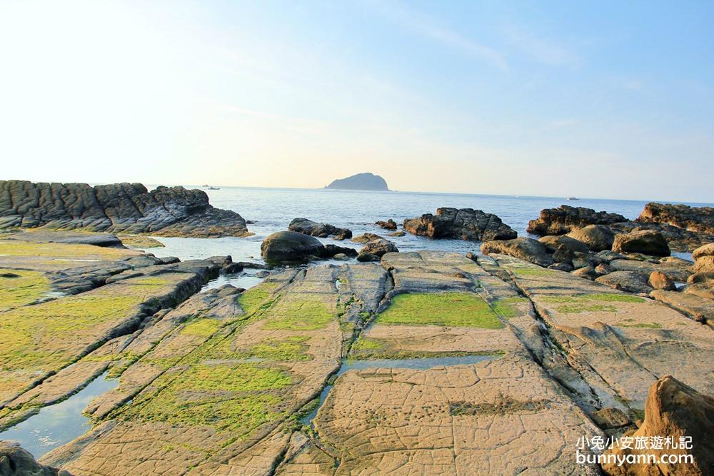 大坪海岸鄰近八斗子漁港,是一處看海、賞夕陽的私房景點。圖/駐站達人-小兔小安旅遊札記