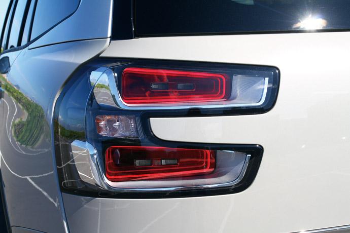 車尾的3D立體LED尾燈具有時尚的妝點效果。 版權所有/汽車視界