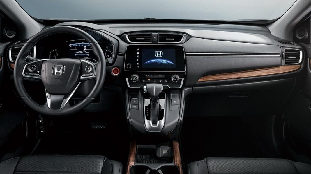 圖/2019 Honda CR-V 1.5 VTi-S把全彩TFT液晶儀錶與7吋觸控式音響主機合一,提升高科技感之餘,對於增進行車安全也有極大幫助。
