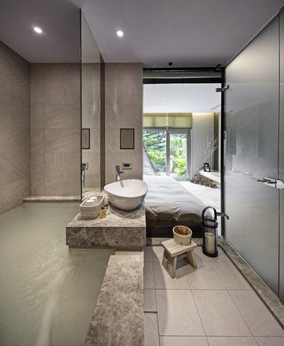 加大湯池沐浴時更舒適。攝影/張晨晟