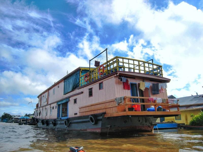 圖/夜宿船上是加里曼丹當地特色,船上設施也非常齊全。