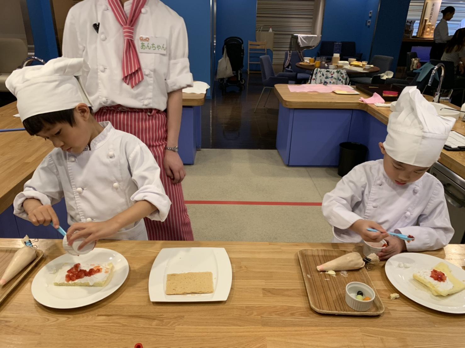吃完晚餐同一個地方就可以體驗小廚師課程