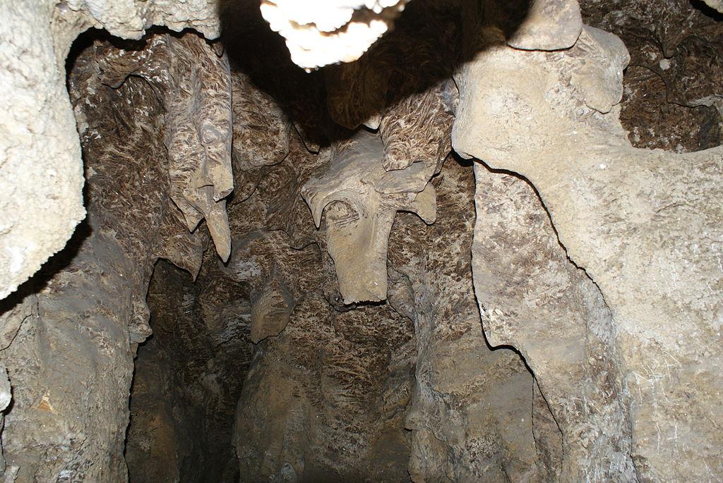 克里夫切水晶洞 (Photo by Igor Banatskiy, License: CC BY-SA 3.0, Wikimedia Commons提供)