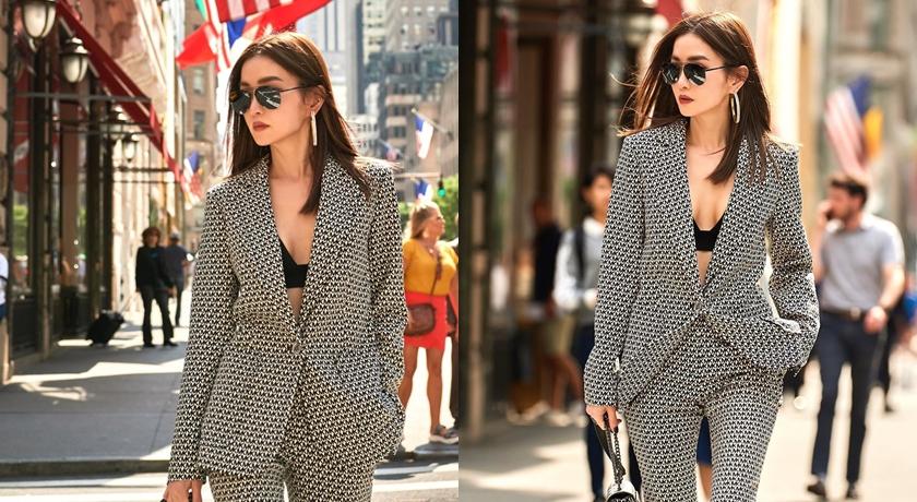 謝金燕帶著逼人「胸」氣站上紐約街頭。