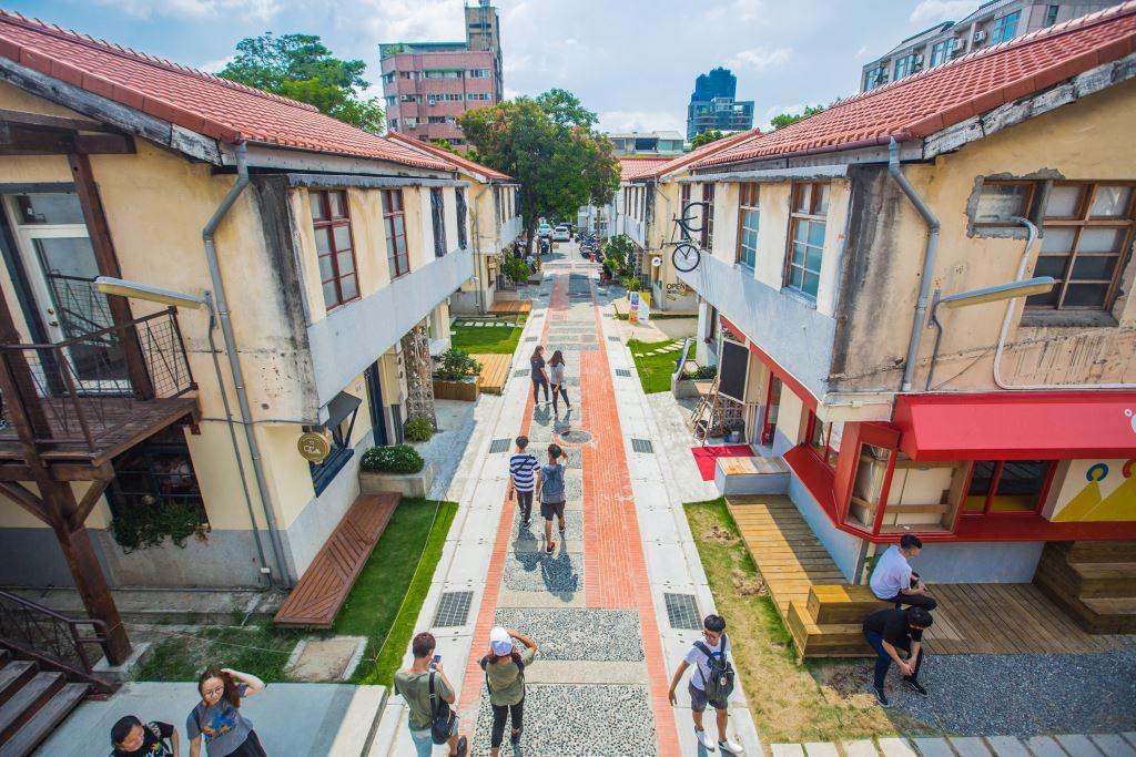 審計新村有著獨特氛圍和動線,前身為超過半世紀的員工宿舍。