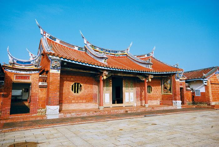 張家祖廟是一兩進兩廊四護龍的傳統宗祠,目前被列為市定古蹟。圖/台中市文化資產處