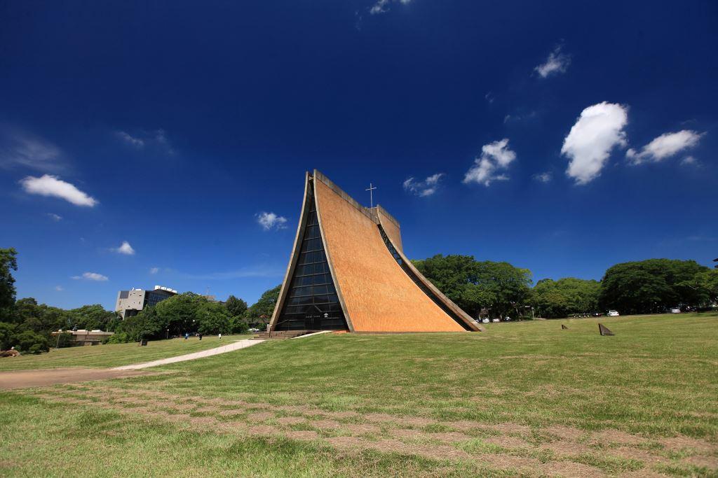 東海大學最具代表性的地標非路思義教堂莫屬,也是東海人的精神象徵。圖/台中觀光旅遊網