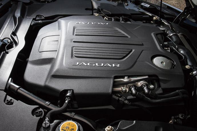 配備高輸出版本的3.0升V6機械增壓引擎,可輸出380hp/46.9kgm之優異動能,0-100km/h加速可在4.9秒內完成。 版權所有/汽車視界